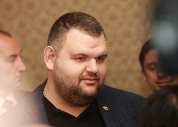 Пеевски обвини Министерството на финансите, че лъже за негова фирма в САЩ