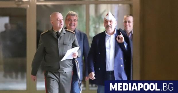 Членове на бившия Национален оперативен щаб (НОЩ) срещу коронавируса влязоха