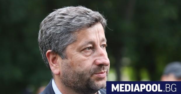 """""""Демократична България означава свобода, законност и модернизация"""" -с това послание"""