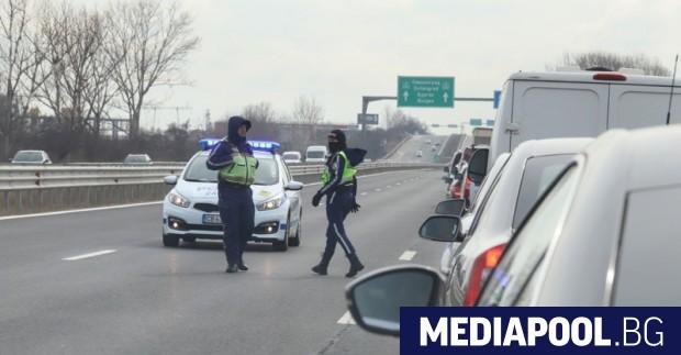 Километрично задръстване се е образувало на магистрала