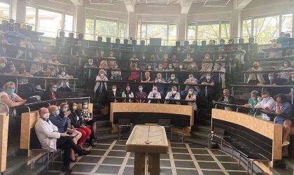 """Над 600 работещи в """"Александровска"""" болница подкрепиха ръководството си"""