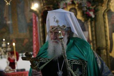Здравословното състояние на патриарх Неофит се подобрява