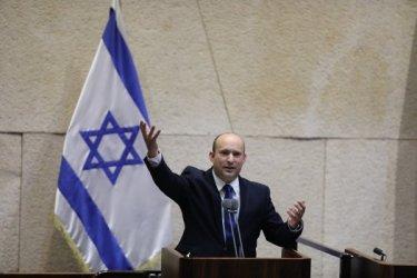 Израел има правителство без Нетаняху. Какво ще се промени?