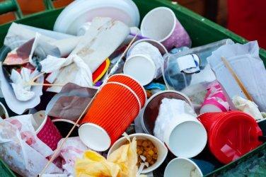 Пластмасата вече е забранена в ЕС, в България – от септември