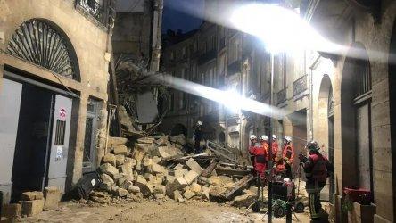 Трима ранени при рухване на две сгради в Бордо