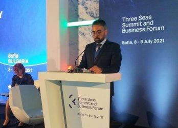 Министър Живков: Идеалната безвъглеродна енергетика е ВЕИ, АЕЦ и батерии за ток