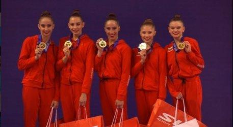 Ансамбълът със златния медал. Снимка: Българска федерация по художествена гимнастика