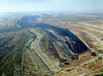 ВЕИ, рекултивация, биоземеделие, туризъм могат да поемат работещите във въглищната индустрия