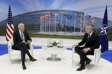 Байдън ревизира политиката на Тръмп: Защитата на Европа е свещено задължение за САЩ