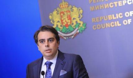 """Асен Василев: Скандалът """"Спецов"""" е """"серия от театрални постановки"""""""