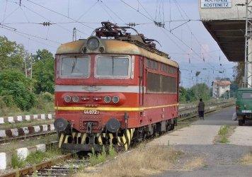 Аварира локомотивът на бързия влак Бургас - София