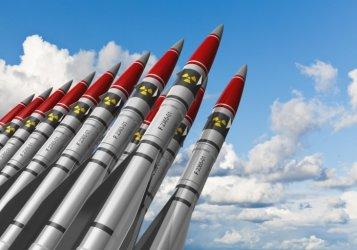 Повече разгърнати ядрени бойни глави по света