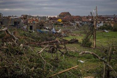 Торнадо удари Чехия, трима души са загинали