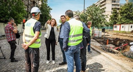 Йорданка Фандъкова инспектира ремонта на бул. Цар Борис Трети, сн. Столична община