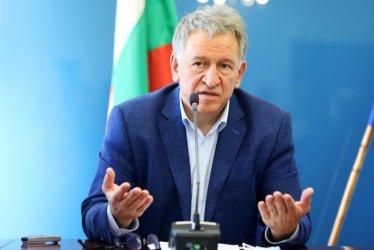 Кацаров обяви курс към промяна: Премахване на лимитите и ножицата в заплащането на лекарите