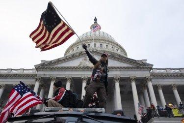 Първа присъда в САЩ за нахлуването в Капитолия