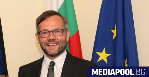 Новият унгарски закон, забраняващ демонстрирането и насърчаването на хомосексуализма сред