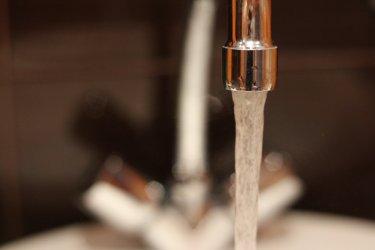 Спират топлата вода в част от столицата