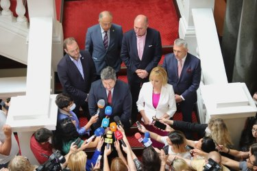 Христо Иванов и Мая Манолова втвърдяват тона към ИТН, искат гаранции и имена