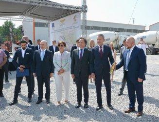 Започна строeжът на най-дългия жп тунел на Балканите
