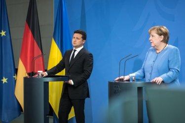 """Меркел предлага подкрепа за Украйна, но не даде обещания за """"Северен поток-2"""""""