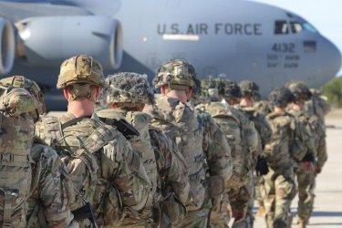 Първата група работили за САЩ афганистанци пристигна в Америка