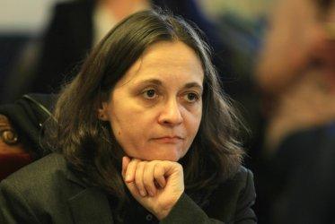 Прокуратурата проверява сключен ли е под натиск от Жени Начева неизгоден договор за 350 000 евро