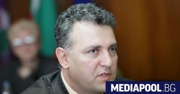 Служебният министър на енергетиката Андрей Живков е позволил на уволнения