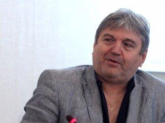"""Министър Минеков гони в. """"Труд"""" от сграда на МК заради нередовно плащан наем"""