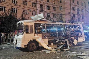 Най-малко двама загинали и 17 ранени след експлозия в автобус в Русия