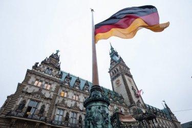 Германските социалдемократи водят месец преди изборите