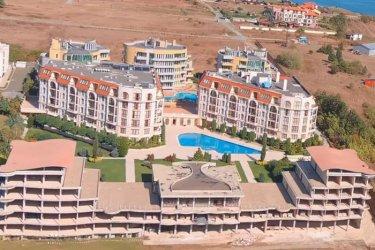 """Спрян е строежът на хотел край плаж """"Бутамята"""""""