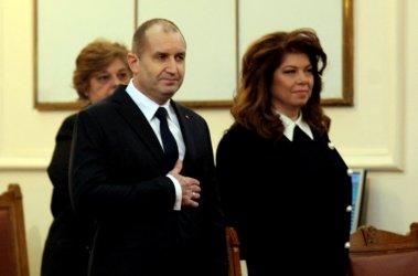 """Хора от """"най-различни политически цветове"""" ще издигнат Радев за нов мандат"""