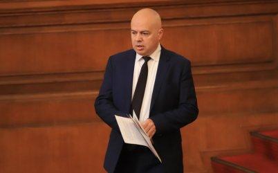 Свиленски твърди, че още нероденият проект на Василев и Петков опитва да отцепва хора от БСП