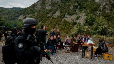 Продължава блокадата на границата между Косово и Сърбия