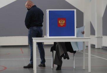 Финален ден на изборите в Русия: опозицията твърди за нарушения, ЦИК ги игнорира
