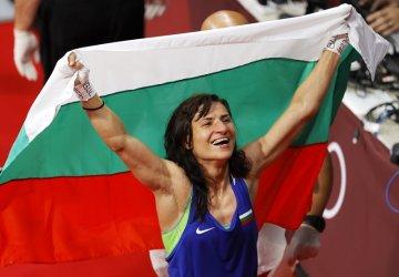 Олимпийската шампионка Стойка Кръстева спира да се боксира