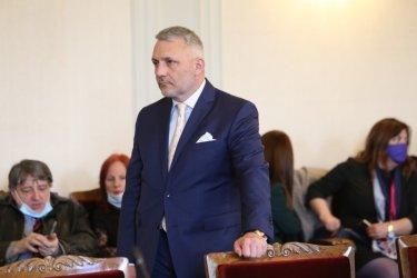 Шефът на НСО да бъде отстранен и разследван заради полицейското насилие, поискаха депутати