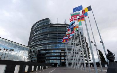 Евродепутатите призовават за нова стратегия на ЕС за насърчаване на демокрацията в Русия