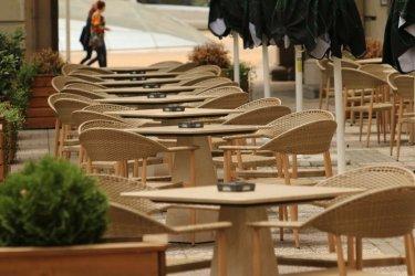"""Ресторантьори пак с протест по """"италиански"""". Ще работят и след вечерния час"""