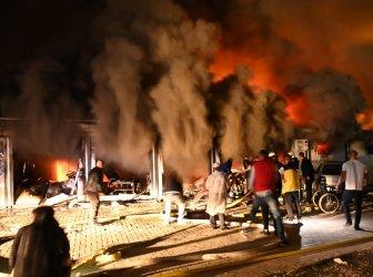 Загиналите при пожар в Covid болница в Тетово вече са 14 (снимки)