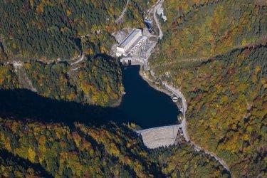 Хидропроекти за постигане на въглеродна неутралност, предлага екоминистърът