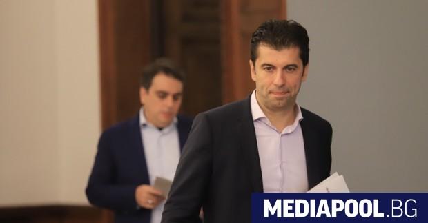 Доскорошните служебни министри Кирил Петков и Асен Василев ще представят
