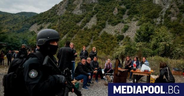 Продължава напрежението по граничните пунктове между Сърбия и Косово. Етническите