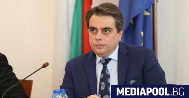 Бившият служебен министър на финансите Асен Василев обяви, че ако