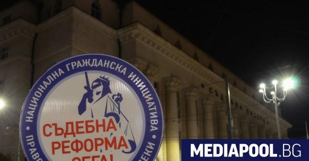 В сряда обяви, че подновява протестите пред Съдебната палата в