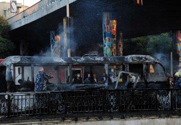 Най-малко 14 загинали военни при бомбено нападение срещу автобус в центъра на Дамаск