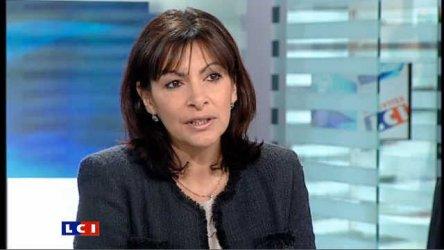 Кметицата на Париж Ан Идалго е кандидатът на социалистите за президент на Франция