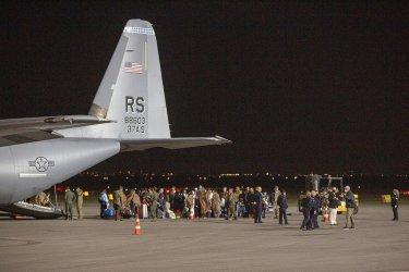Тайнственост обгръща съдбата на афганистански бежанци, изпратени от САЩ в база в Косово