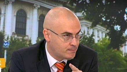 Петър Илиев платил една заплата, за да напусне веднага СУ